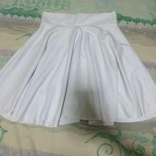 Flare Skirt Putih Polos