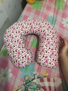 NECK PILLOW ( BANTAL LEHER )