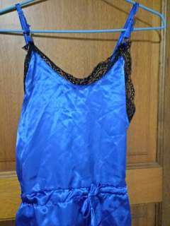 🚚 藍色緞面內睡衣