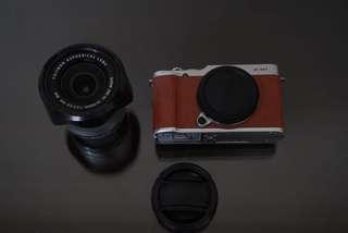 Fujifilm X-M1 with XC16-50mm Lens Kit