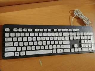 Logitech K310 keyboard 防水鍵盤