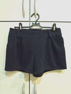 🚚 深藍色花紋短褲
