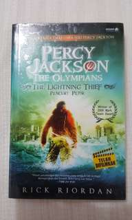 Percy Jackson & The Lightning Thief - Rick Riordian