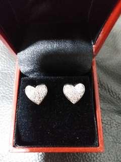 18K 白金心型碎鑽耳環