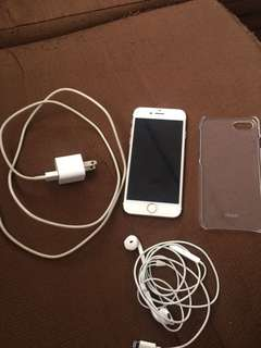 Iphone 7 128GB w/ charger and headset