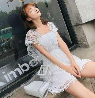 82033 #韓版簍空蕾絲小心機V領連身褲  颜色: 白色 黑色 杏色   尺寸: 均码