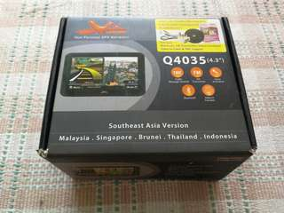 GPS Set with Box, Manuals, Free Holder
