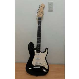 【現貨】Fender Squier Bullet BLK SSS 電吉他 黑色 7成新 附線 / 背帶 /琴帶