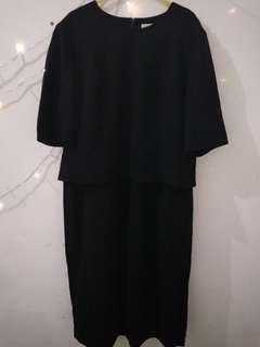 Dress Peplum Hitam Midi