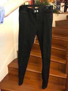 素色黑長褲(建議高個ㄦ160-170公分女生購入)