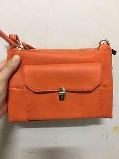 LIPPY橘色小包