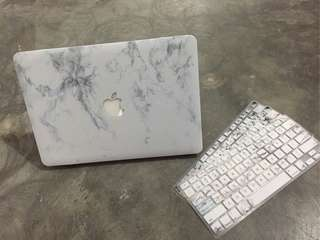 "INSTOCK MACBOOK 13"" MARBLE HARD CASE"