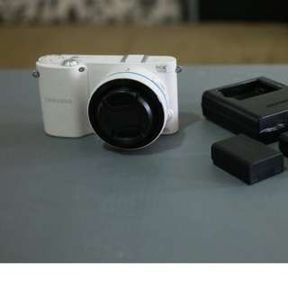 Samsung NX1000 with 16MM/f2.4 wide angle lens