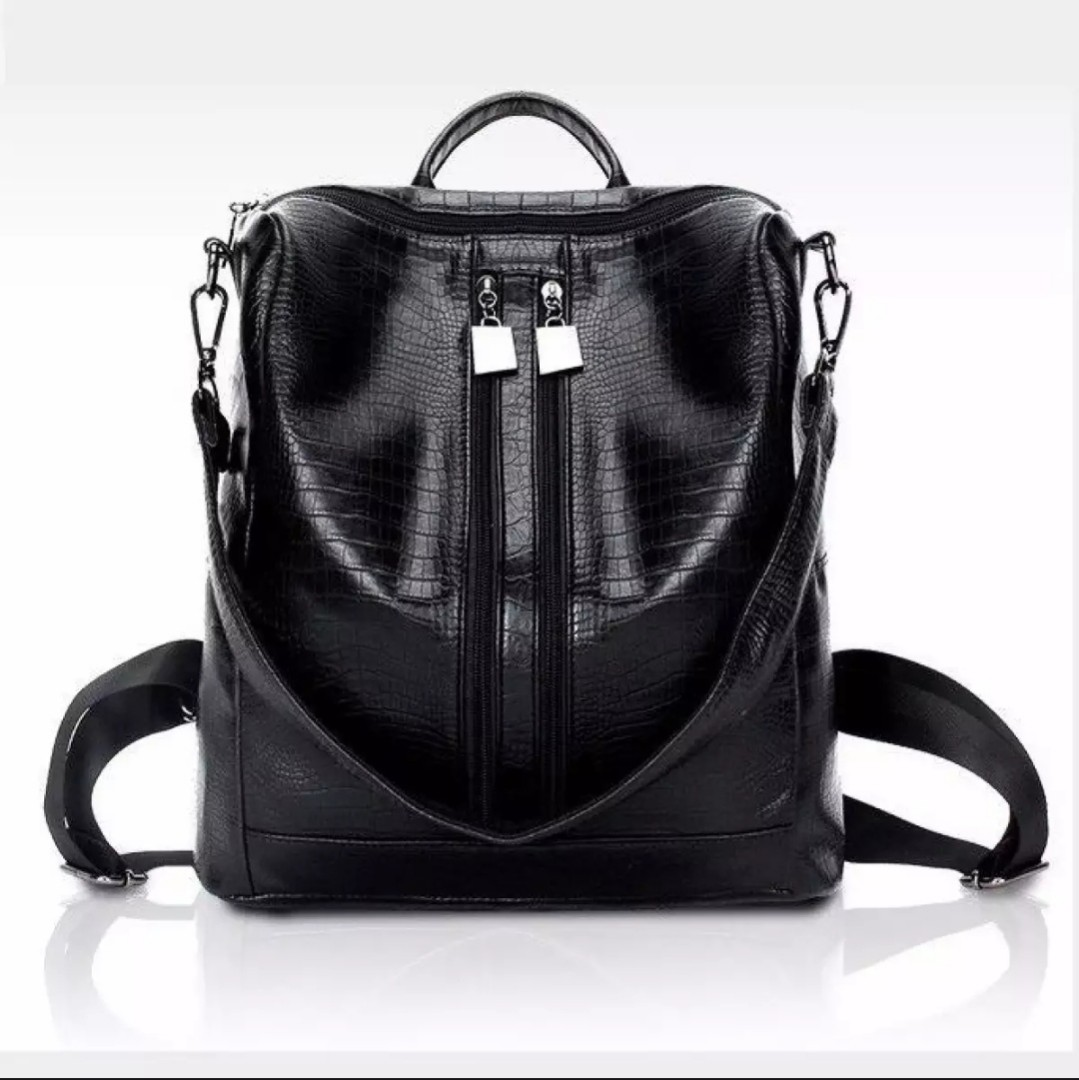 7873449b9ffb 3-way Design Bagpack, Women's Fashion, Bags & Wallets on Carousell