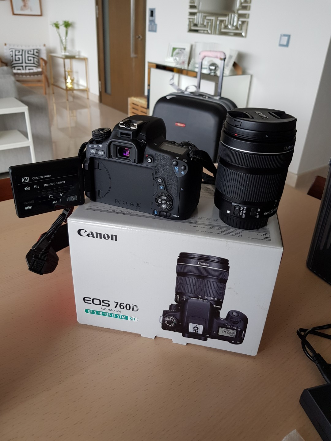 Canon Eos 760d 242 Mega Pixel Photography Cameras Dslr On Kit Ef S 18 135mm F 35 56 Is Stm Wifi Carousell