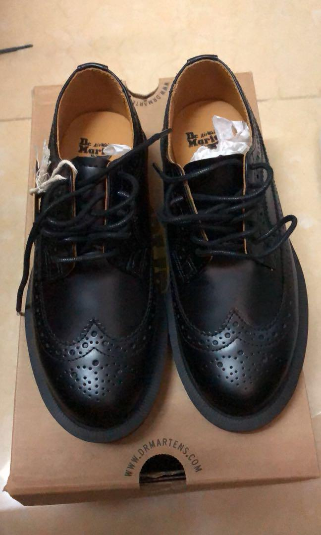 Dr.Martens 皮鞋