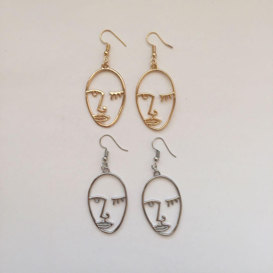 FUNKY FACE EARRINGS (hooked)