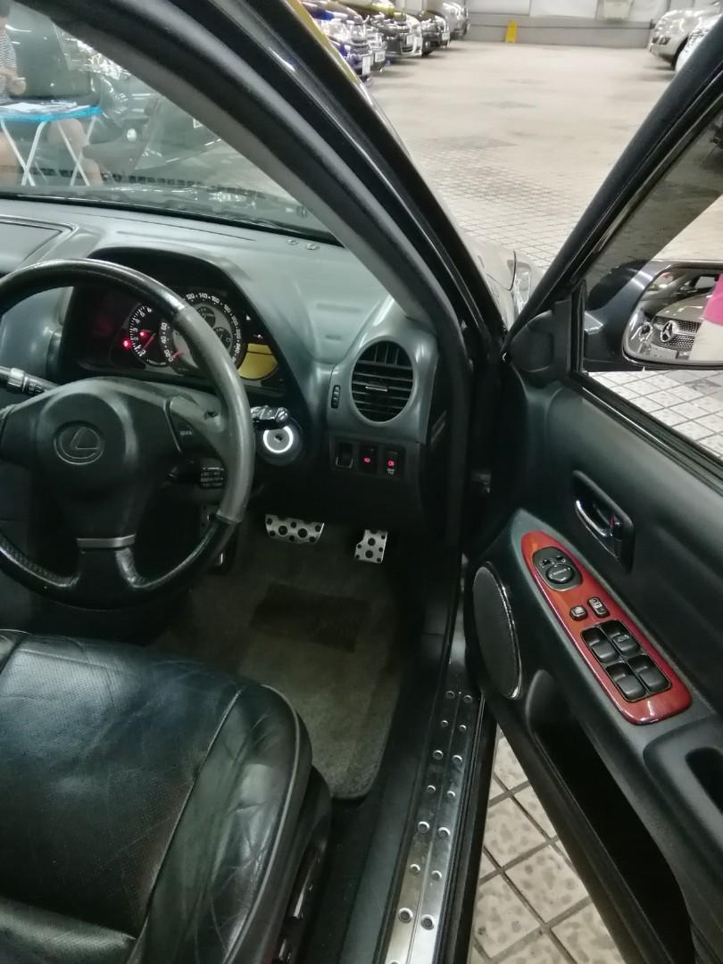 LEXUS IS300 2004