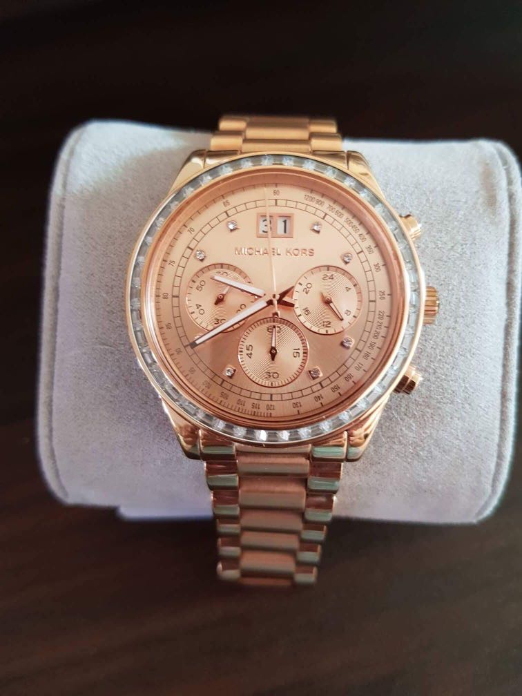 15c7f55d4dd5 Preloved Michael Kors Watch with receipt