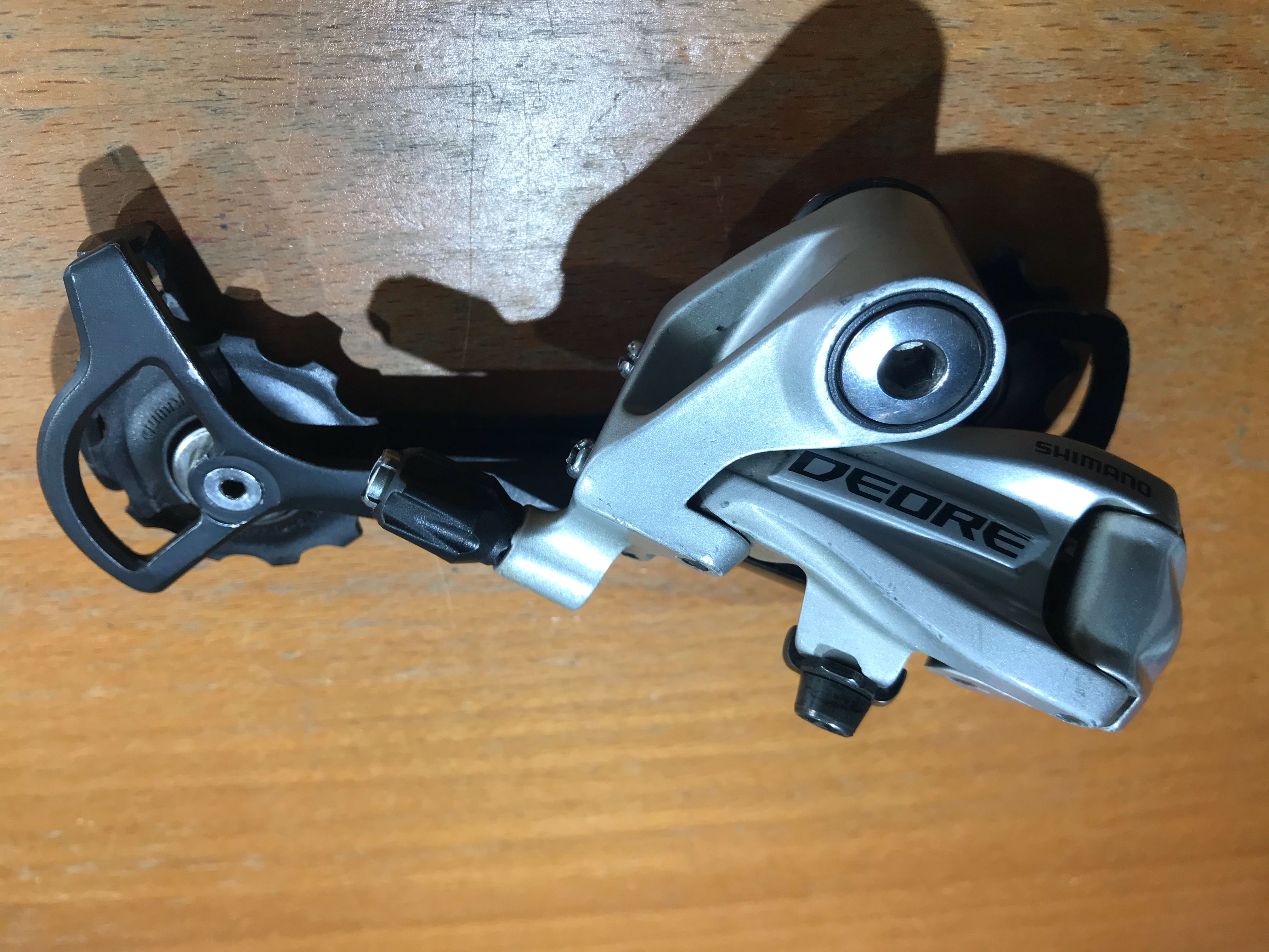 Shimano Deore M591SGS 9-speed Rear Derailleur (8 and 9 Speed/Compatible  with 28-24T low sprocket)