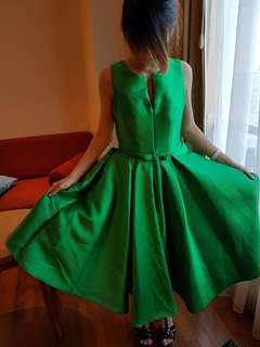 👗: Green Elegant Evening Gown For Rent