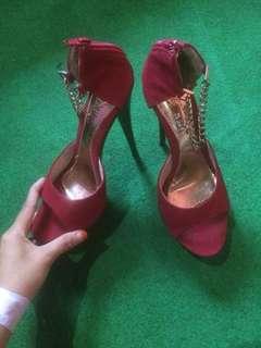 Heels maroon