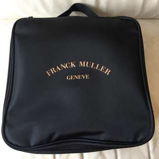 Franck Muller Travel Pack: Travel Pillow, Adaptor, 化妝袋