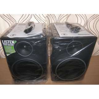 Mackie MR8 mk3 Powered Studio Monitor Matching Pair in Excellent Like New Condition