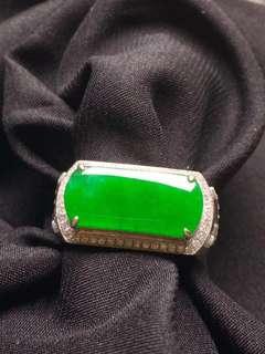 GZ-36陽綠馬鞍戒指 18K金鑲嵌 完美無裂 撿漏價:¥37500配證書精美禮盒
