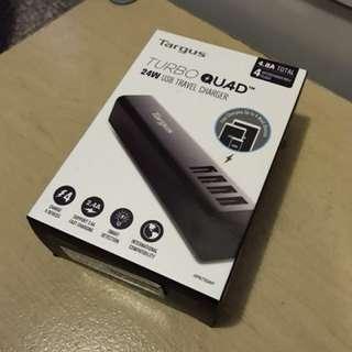 Turbo QUAD USB 旅行充電器