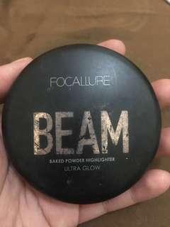 focallure highlighter shade 03 DOUBLE GLEAM baru dipakai 2 kali.. dan masih bagus