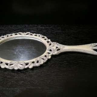 Matel handle mirror