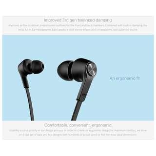 《Xiaomi 》Mi In-Ear Headphones Basic with Mic ( Matte Black )