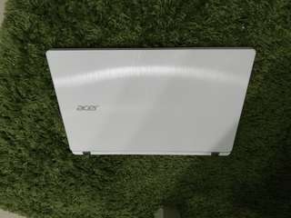 ACER V3-371-54AG 13.3吋輕薄筆電(i5-5200U/Win10/白/推薦/近全新)
