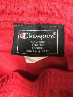 CHAMPION - Red Mesh Shorts - LARGE