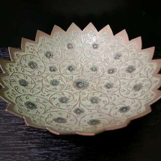 Vintage brass medium bowl