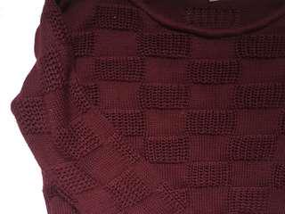 SMALL - Maroon Cropped Sweater