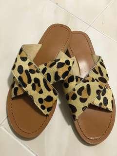 全新豹紋拖鞋(限20Jul前$50)