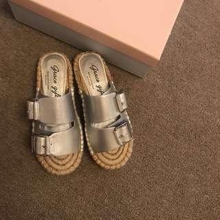 Grace gift 銀色編織涼鞋