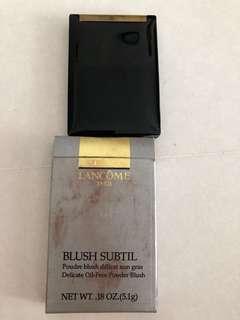 Blush subtil