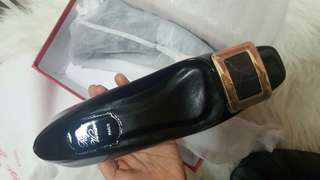 Roger Vivier patent leather low heel shoes