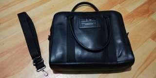 Sling bag executive