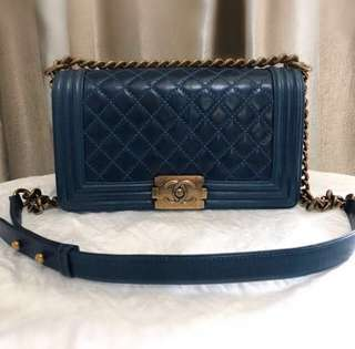 (換袋)Chanel Boy medium calfskin gold hardware