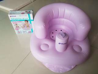 紫色嬰兒吹氣梳化