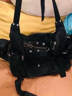 超值扺用BAUHAUS 拉合拉鍊可作大袋用 拆開用 一合腰包 一個大袋用 好新凈 冇破 冇染色