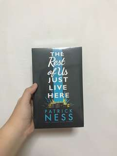 [BNIP] The Rest Of Us Just Live Here / Patrick Ness