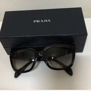 🚚 [專櫃正品]PRADA低調奢華時尚墨鏡✨折讓價1980✨