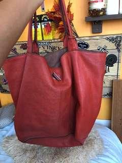 💯 % authentic  Rabeanco shoulder bag. 85% new