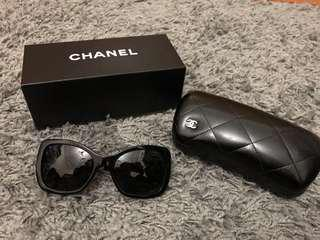 Chanel Sunglasses Black Metal Chain - Polarised