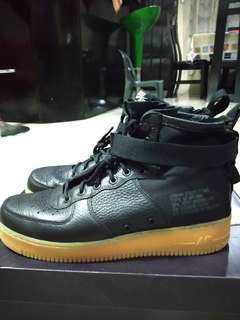 Nike SF Af1 Mid size 11 used once
